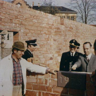 1973 - Grundsteinlegung für Fw-Gerätehaus/Laustr.