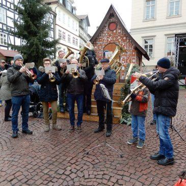 Bläsergruppe spielte auf dem Weihnachtsmarkt